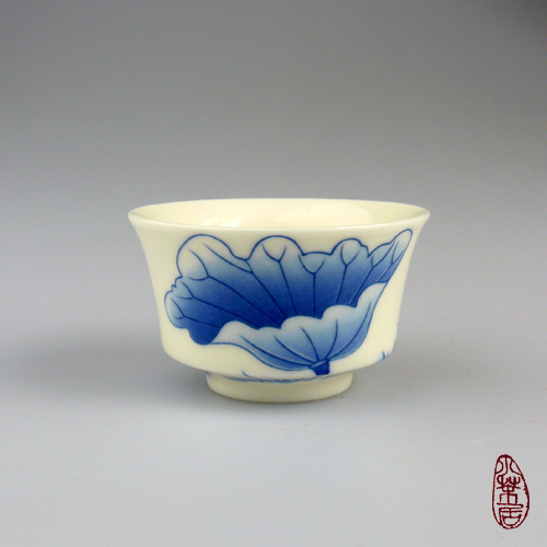 Chinese Teacup - Lotus